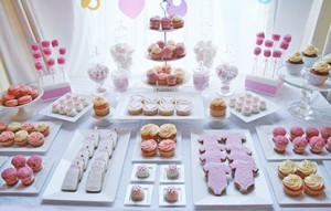 baby-shower-dessert-table-1